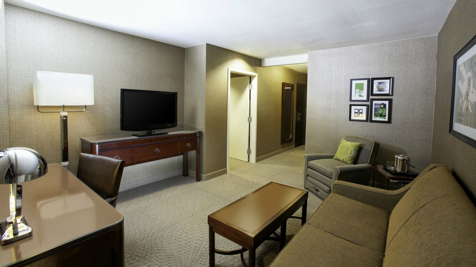 Pittsburgh Accommodations - Suite