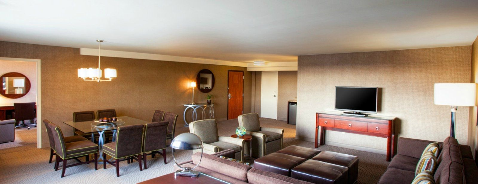Pittsburgh Accommodations - Presidential Suite - Living Room